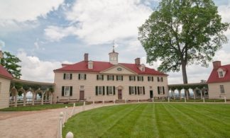 48 Hour Hop-on Hop-off Washington, DC Bus Tour + Mount Vernon Tour